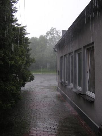 heavy-rain-1369301_jpg